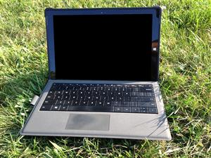Surface Pro 3 in Grass